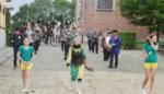 Mater viert Sint-Amelberga toch met ommegang: kleinschalig, in alle stilte én in het geniep