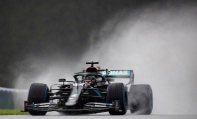 """Lewis Hamilton is de regenkoning: """"Laat me maar, Bono. Ik heb het onder controle"""""""