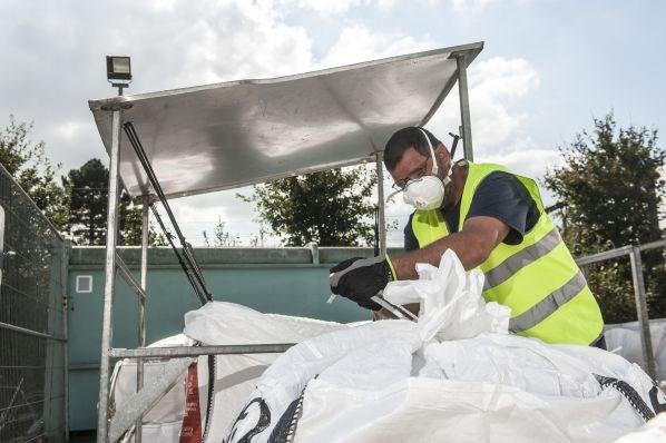 Asbest wordt na reservatie naar recyclageparken gebracht