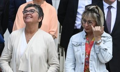 """Poetsvrouw en kassierster krijgen Vlaams ereteken: """"Ze hadden mannen van vuilkar ook één mogen geven"""""""