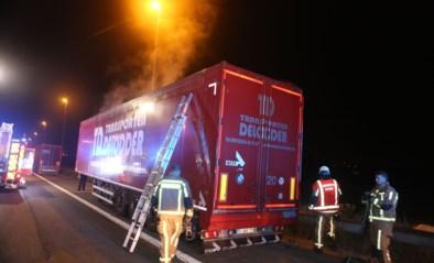 Brandweer rukt uit voor vermeende brand van oplegger