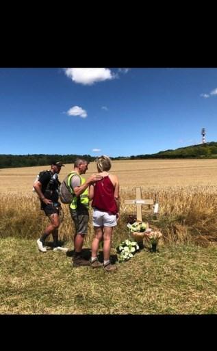 """Belgische triatleet komt na 250 km aan op plek waar vriendin met vliegtuig crashte: """"We hebben het gehaald, meid"""""""
