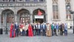 En plots staan er meer dan 51 Van Eycks op de Markt