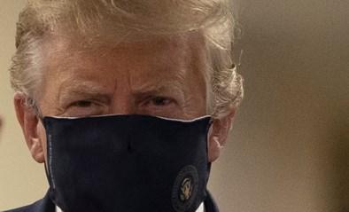 President Trump draagt voor het eerst masker in het openbaar