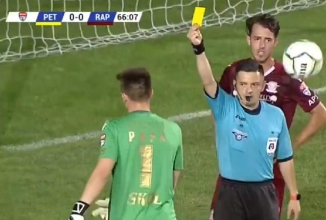 Ongeziene taferelen in Roemenië: drie strafschoppen, twee reddingen, één rode kaart en… nul doelpunten