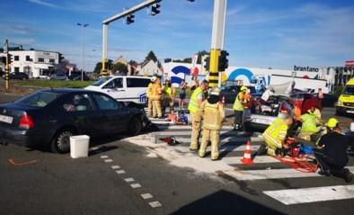 Zes gewonden na ongeval op druk kruispunt: mogelijk werkten verkeerslichten niet