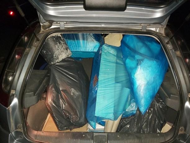 Sluikstorter op heterdaad betrapt met auto vol bouwafval