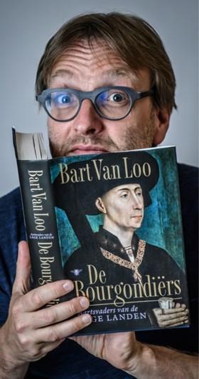 """Schrijver Bart Van Loo niet opgezet met speech Tom Van Grieken: """"Ik betreur het om gerecupereerd te worden in een verhaal dat niet het mijne is"""""""