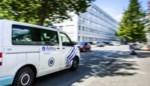 Chauffeur met voorlopig rijbewijs ramt vier wagens