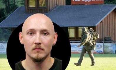 Klopjacht op Rambo van het Zwarte Woud gaat door: helikopters, politie en legertroepen jagen op gecamoufleerde boogschutter