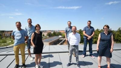 Stad plaatst samen met inwoners 2.500 zonnepanelen op openbare gebouwen