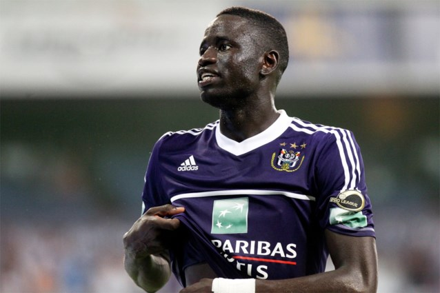 """Cheikhou Kouyaté volgt Anderlecht nog steeds op de voet: """"Vincent Kompany mag me binnen 2-3 jaar bellen"""""""