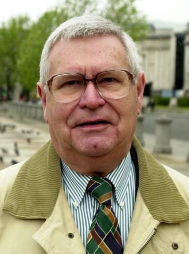 Voormalig VRT-correspondent Roger Simons overleden op 93-jarige leeftijd