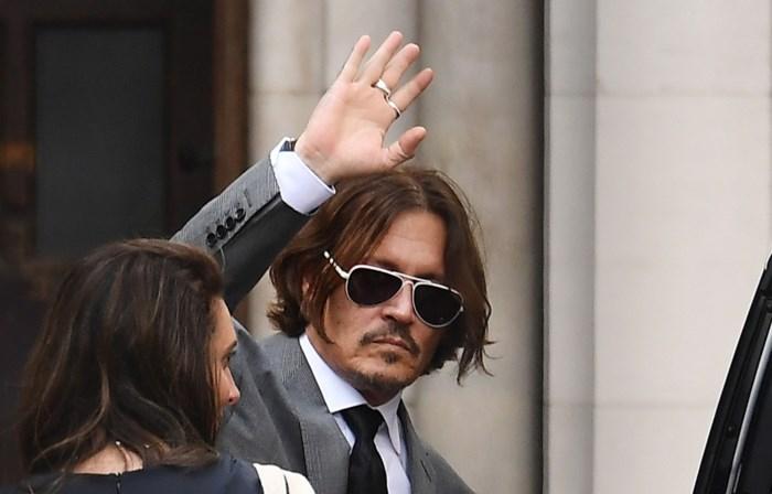 """""""Ik raakte 650 miljoen kwijt"""": Johnny Depp verklaart slecht humeur en ruzies op proces tegen The Sun"""