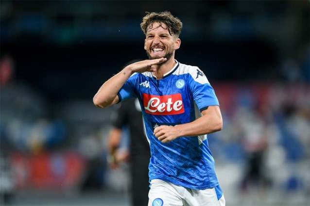 Dries Mertens scoort en Alexis Saelemaekers pakt rood: Napoli-Milan eindigt op gelijkspel