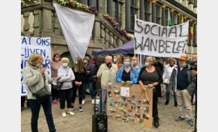 """Veertigtal bewoners betogen tegen sloop Sint-Bernadettewijk: """"Ziek van verdriet"""""""