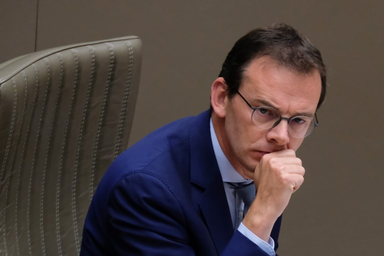 """PVDA-fractieleider: """"Wouter Beke is een incompetente minister"""""""