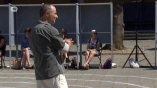 Dimitri Leue begonnen aan zijn stunt: 7 dagen op rij 7 voorstellingen in Deurne