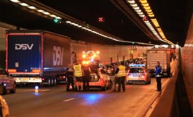 Rijbaan in Kennedytunnel vrijgemaakt na zwaar ongeval: nog steeds heel wat hinder