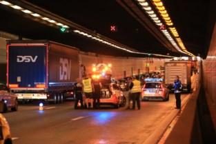 Ook files op Wase snelwegen door ongevallen in Kennedytunnel