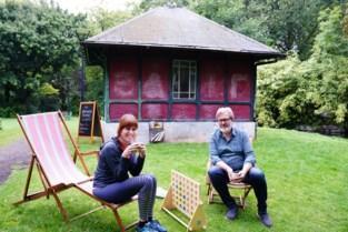 Koffie, thee en petanque in het Muinkpark: bewoners verbouwen zelf buurthuisje