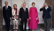 Prins Laurent klungelt met mondmasker wanneer hij wil poseren voor familiefoto in Bozar