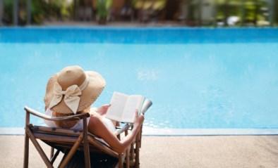 """Boekje op het strand, maar leesplezier kwijt? Onze experts geven tips: """"Denk goed na over het genre"""""""