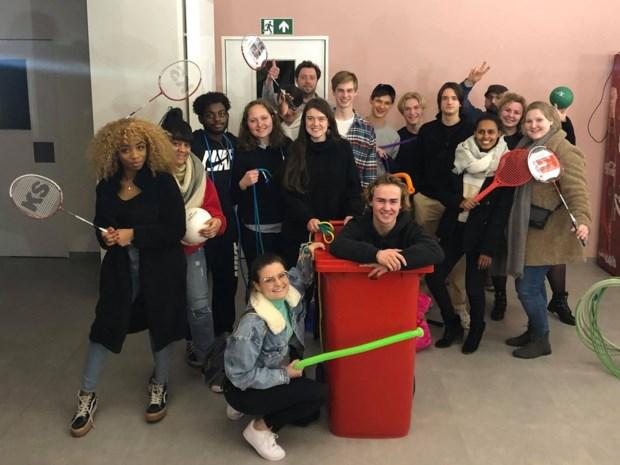 Landense jongeren werken mee aan de uitbouw van hun ontmoetingsplek
