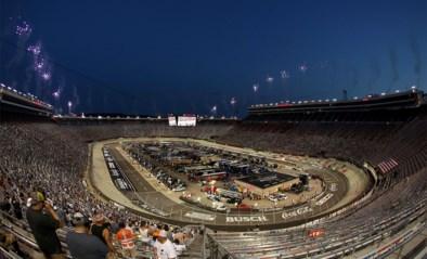 Nascar-fans liggen niet wakker van corona: 20.000 toeschouwers wonen race in Tennessee bij