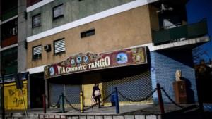 73-jarige Belg opgepakt in Argentinië nadat z'n 21-jarige Tinderdate van balkon valt