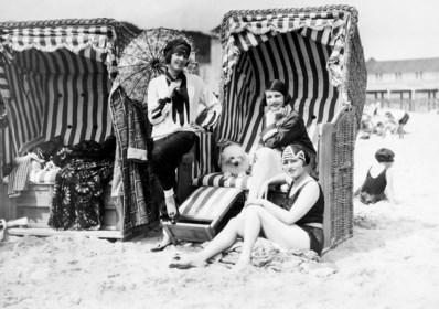 De uitvinding van de strandstoel, met dank aan de mandenmaker en de reumapatiënte