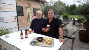 Zomerbar serveert stoofvlees van hoofdkokkin brouwerij Alken