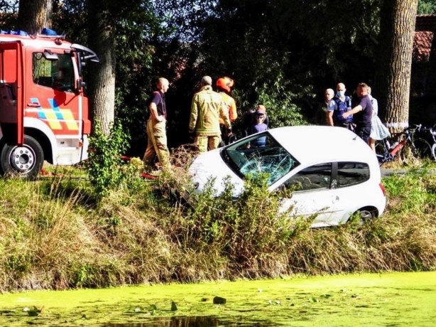 """Wielertoerist (58) overleeft val in vaart na frontale botsing met wagen: """"Dokters snappen niet hoe ik mij nog op het droge kon hijsen"""""""