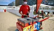 """Lander Morel (20), ijsjesverkoper mét mondmasker en loodzware kar: """"Lang gevreesd voor mijn job door corona"""""""