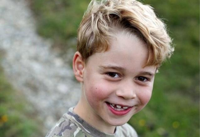 Prins George is zeven jaar en daar horen nieuwe foto's bij