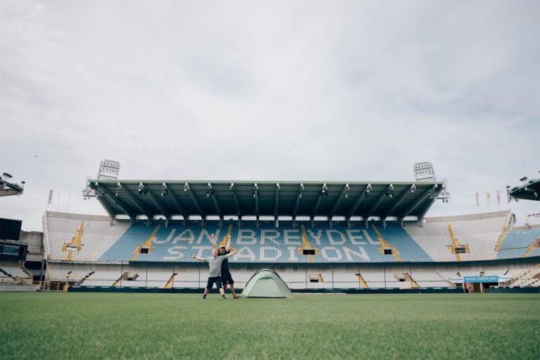 Dieter Coppens en Kevin brengen de nacht door in stadion Club Brugge
