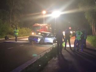 Auto crasht na spectaculaire achtervolging: drie inzittenden mogelijk daders homejacking
