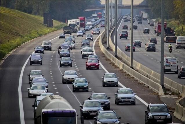 Files nemen toe op Europese wegen, lange files aan Karawankentunnel tussen Oostenrijk en Slovenië