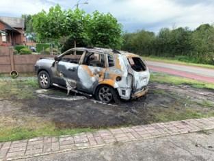 """Voor derde keer in twee maanden gaat auto op in vlammen bij gezin: """"En toch verdenk ik niemand"""""""