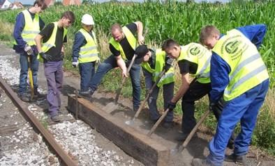 Stoomtrein Maldegem-Eeklo maakt jongeren warm voor 'spoorse' hobby