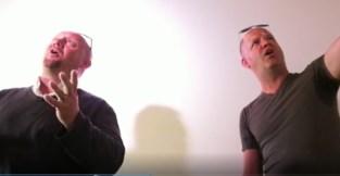 """""""Ziej nie beschoamd?"""" Muzikaal duo lanceert nieuw lied om iedereen wakker te schudden"""