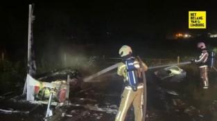 Gestolen kebabkraam brandt uit langs kanaal