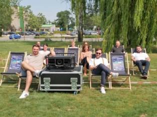 Deinzenaren kunnen tijdens 'JarDeins' blijvend genieten van filmvoorstellingen en optredens in tuin van Leietheater