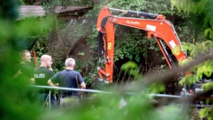 """Vrouw wil dat politie in haar tuin graaft """"Ik heb schrik dat ik bovenop het lichaam van Maddie McCann slaap"""""""
