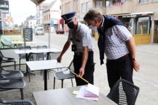 """Politie krijgt hulp van 'ambassadeurs' voor controle coronaregels, maar er klinkt kritiek: """"Met zo'n 'kliklijn' zet je mensen tegen elkaar op"""""""