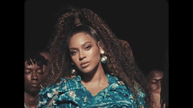 """Beyoncé draagt oorbellen van Antwerpse ontwerpster: """"Ik kon het niet geloven. Maar de prijs blijft 25 euro"""""""