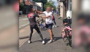 """Volwassen man belaagt 14-jarige tiener en slaat hem tegen de grond: """"Dit laat sporen na"""""""