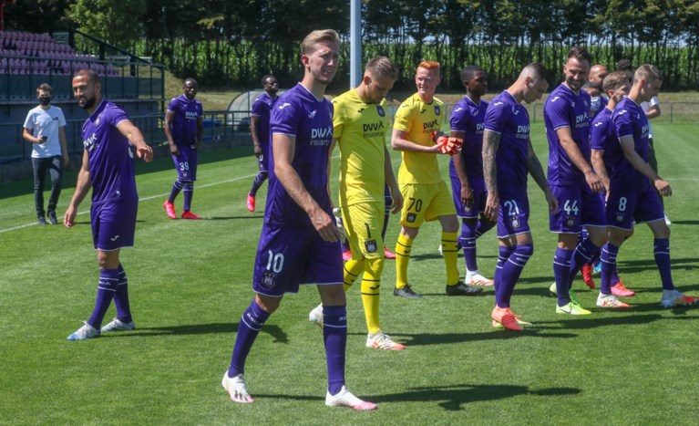 Enkel nieuwkomer Mykhaylichenko ontbreekt op ploegfoto van Anderlecht: ook Anthony Vanden Borre tussen de 31 spelers