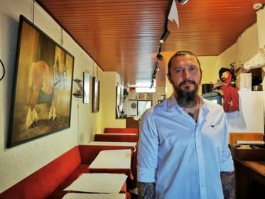"""Na 60 jaar ziet authentiek paardensteakrestaurant bijna geen klanten meer: """"De heropening was eigenlijk een vergiftigd geschenk"""""""