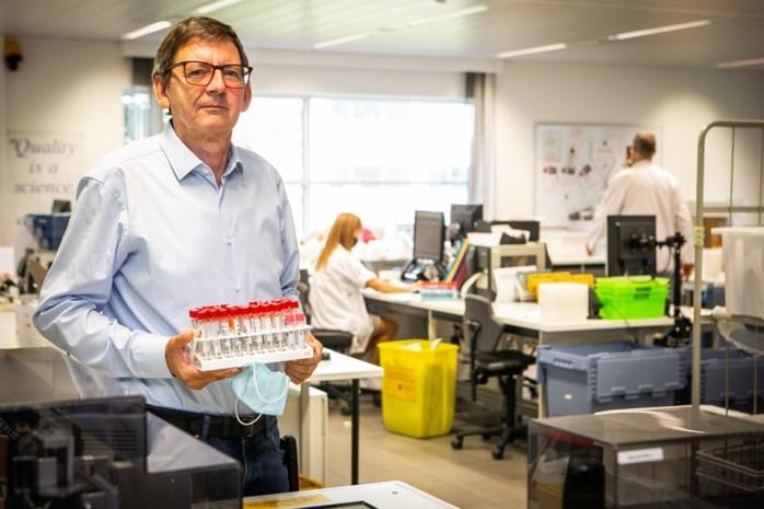 "Grootste Antwerpse laboratorium kan hulp van testdorp goed gebruiken: ""Sancties voor te late testen? Geef ons liever wat applaus"""